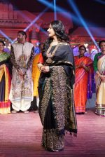 Anushka Shetty at An Ode To Weaves and Weavers Fashion show at HICC Novotel, Hyderabad on June 21, 2016 (104)_576bde97bba1d.JPG