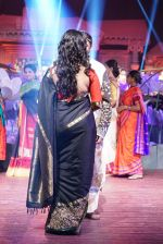 Anushka Shetty at An Ode To Weaves and Weavers Fashion show at HICC Novotel, Hyderabad on June 21, 2016 (121)_576bdeba152b8.JPG