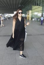 Neha Dhupia snapped at airport in Mumbai on 22nd June 2016 (13)_576b89a9140c5.JPG