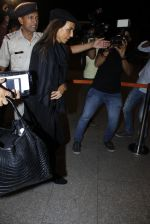 Parmeshwar Godrej snapped at airport in Mumbai on 22nd June 2016 (18)_576b89afcdb76.JPG