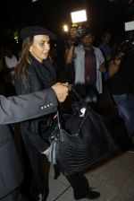 Parmeshwar Godrej snapped at airport in Mumbai on 22nd June 2016 (19)_576b89b0eafa9.JPG