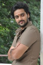 Sumanth Ashwin Photoshoot (105)_576bef4ca7a34.jpg