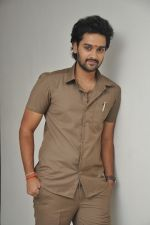 Sumanth Ashwin Photoshoot (139)_576bef904060f.jpg