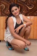 Vasavi Reddy Photoshoot (27)_576bb810d447d.JPG