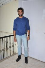 Akshay Oberoi at the launch of film The Virgins on 24th June 2016 (2)_576e3886eb896.JPG