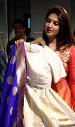 Divyanka Tripathi shopping for wedding at Kalki Fashion_ on June 24, 2016 (5)_576e00b111d43.jpg