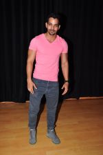 Harshvardhan Rane Visits Barry John_s Acting Institute on June 25, 2016 (13)_576e2e9255954.JPG