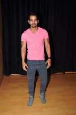 Harshvardhan Rane Visits Barry John_s Acting Institute on June 25, 2016 (9)_576e2e8fb44a7.JPG