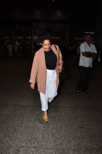 Masaba snapped at airport on 24th June 2016 (5)_576e37a72ba2f.JPG