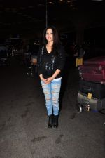 Shriya Saran snapped at airport on 24th June 2016