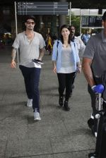 Sunny Leone with husband Daniel Weber at the airport on June 24, 2016 (1)_576e0317ddc92.JPG