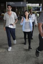 Sunny Leone with husband Daniel Weber at the airport on June 24, 2016 (3)_576e031a1bb47.JPG
