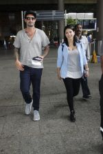 Sunny Leone with husband Daniel Weber at the airport on June 24, 2016 (5)_576e031bf3e2b.JPG
