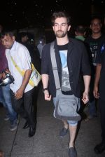 Neil Nitin Mukesh at the airport on June 26, 2016 (1)_5770f8eaa0375.JPG
