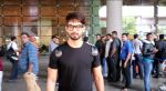 Shahid Kapoor snapped at the airport on June 26, 2016 (2)_57713147a5002.jpg