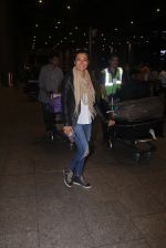Mini Mathur return from IIFA in Mumbai Airport on 27th June 2016 (15)_5771f3ae07361.JPG