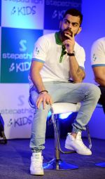Virat Kohli encourages kids towards a healthy lifestyle, launches Stepathlon Kids in Delhi on 27th June 2016 (5)_577286d8466a6.JPG