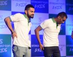 Virat Kohli encourages kids towards a healthy lifestyle, launches Stepathlon Kids in Delhi on 27th June 2016 (9)_577286dd0a848.JPG
