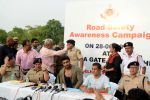 Arjun Kapoor, Chetan Bhagat at Road Safety Awareness Campaign in India Gate, New Delhi on 28th June 2016 (48)_577356597a0b2.JPG