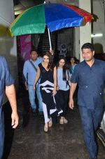 Madhuri Dixit snapped at Filmistan on 28th June 2016 (9)_57736500856e4.JPG