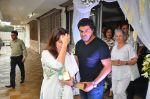 Neelam Kothari, Sameer Soni at Anil Thadani_s father prayer meet on 28th June 2016 (53)_5773659055fe2.JPG