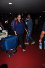 Ratna Pathak Shah snapped at airport on 28th June 2016 (6)_5773651bb9e00.JPG
