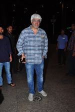 Vikram Bhatt snapped at airport on 28th June 2016 (9)_57736533a9aa3.JPG