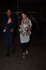 Evelyn Sharma snapped at airport on 29th June 2016 (3)_5774a1a22237b.JPG