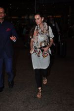 Evelyn Sharma snapped at airport on 29th June 2016 (4)_5774a1a31a22b.JPG
