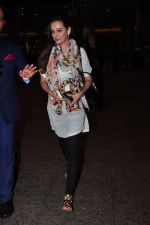 Evelyn Sharma snapped at airport on 29th June 2016