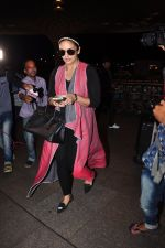 Huma Qureshi snapped at airport on 29th June 2016 (21)_5774a1af83884.JPG