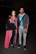 Huma Qureshi, Saqib Saleem snapped at airport on 29th June 2016 (21)_5774a1b31704b.JPG
