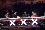 Salman Khan promotes Sultan on the finale episode of India_s Got Talent shoot on 30th June 2016 (30)_57752cc6107ae.JPG