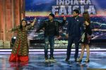 Salman Khan, Anushka Sharma promotes Sultan on the finale episode of India_s Got Talent shoot on 30th June 2016 (17)_57752ccf631a1.JPG