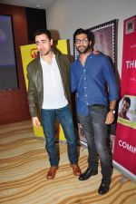 Imran KHan, Akshay Oberoi at special screening of The Virgins in Hard Rock Cafe on 30th June 2016 (45)_577612dac01c8.JPG