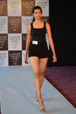 at LFW Model Auditions in St. Regis Hotel on 30th June 2016 (30)_5776141b91537.JPG