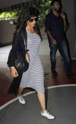 Chitrangada Singh snapped at airport on 1st July 2016 (15)_57772de3ec75c.JPG