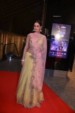 Sonal Chauhan at SIIMA Awards 2016 Red carpet day 2 on 1st July 2016 (6)_57776e6eaa2e7.JPG