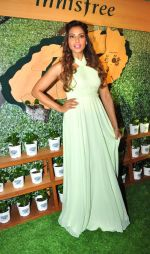 Bipasha Basu at Kurla event opening of new shop Innisfree on 2nd July 2016 (37)_57790317f288e.JPG