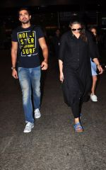 Huma Qureshi, Saqib Saleem snapped at airport on 2nd July 2016