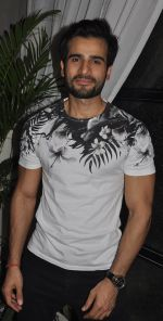 Karan Tacker at the Launch Event of Mirabella Bar & Kitchen in Mumbai on 3rd July 2016_5779f6e2c205a.jpg