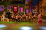 Salman Khan, Anushka Sharma on the sets of The Kapil Sharma Show on 3rd July 2016 (103)_577a0416f0f10.JPG