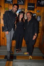 Shibani Kashyap, Sandip Soparkar, Leslie Lewis at Tap Restobar Karaoke event KWC launch on 4th July 2016 (1)_577a686306e11.JPG