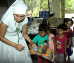 Gaia Mother Sofia distributed note books,bags to 140 girls of Bal Bhawan NGO at Andheri on 4th July 2016 (3)_577b519d8a6f3.jpg