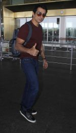 Sonu Sood snapped in Airport on 5th July 2016