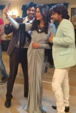 Zeenat Aman clicking selfies with Kapil Kaustubh Sharma and Yuvraaj Parashar during the shoot of movie Love Life & Screw Ups on 4th July 2016_577b520f41059.jpg