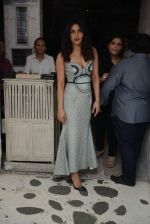 Priyanka Chopra snapped at Olive in Delhi on 5th July 2016 (13)_577c81ec40840.jpg