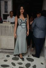 Priyanka Chopra snapped at Olive in Delhi on 5th July 2016 (16)_577c81f324244.jpg