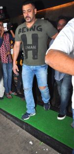 Salman khan_s sultan movie screening on 5th July 2016 (8)_577ca2e17f1d5.JPG