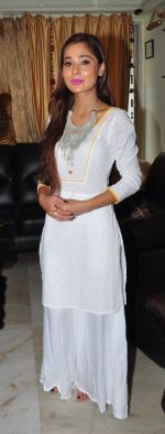 Sara Khan Eid celebration on 7th July 2016 (3)_577e5f2311b9e.JPG